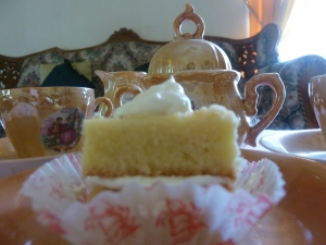 Peace of cake to complement your tea party